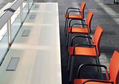 mobiliario-oficina-colectividades-sillas-uma